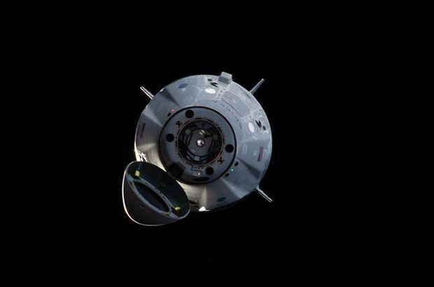 SpaceX'in personel taşıyıcı mekiği Dünya'ya geri döndü