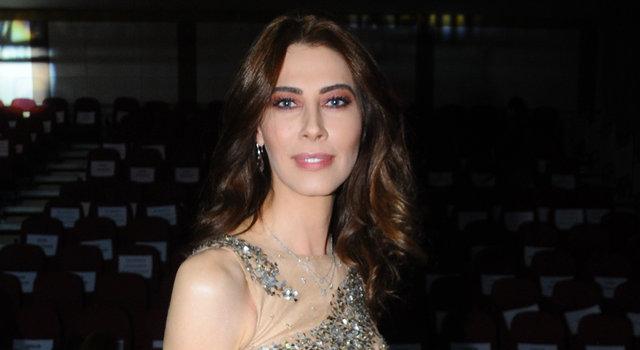 Şenay Akay ile Tarık Soner evleniyor - Magazin haberleri