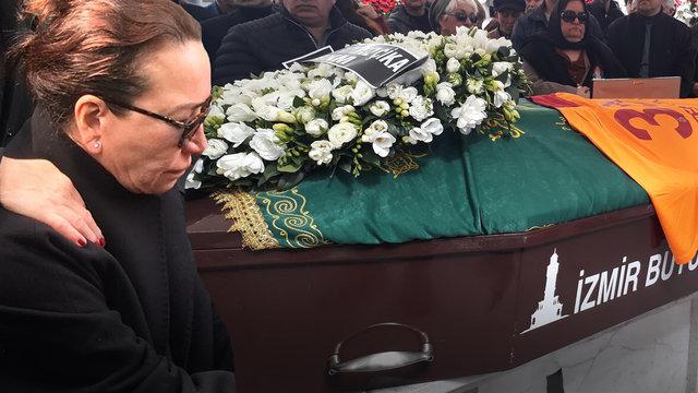 Son Dakika: Demet Akbağ eşi Zafer Çika'ya veda etti! Demet Akbağ cenazede gözyaşlarına boğuldu