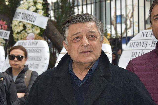 Demet Akbağ'ın eşi Zafer Çika cenazesi son yolculuğuna uğurlanıyor - Magazin haberleri