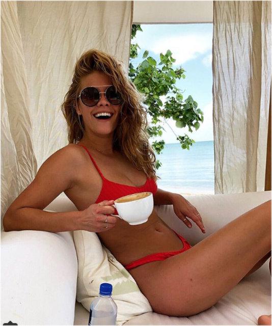 Victoria's Secret meleği Nina Agdal'ı 'kilolu' olduğu gerekçesiyle çekime kabul etmediler!