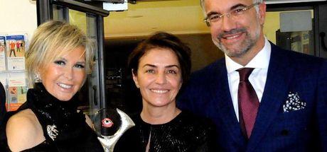 Filiz Akın Almanya'da 'Onur Ödülü' aldı