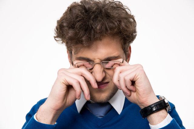 Gözdeki sinek uçuşmalarına karşı yaban mersini ve bal kabağı tüketin!
