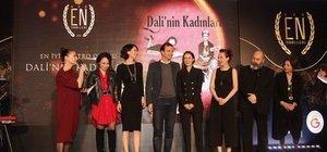 Dali'nin Kadınları'na ilk ödül
