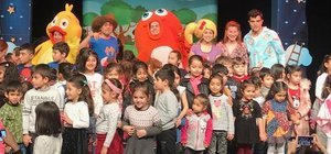 Çocuklara 'Sevimli Dostlar' hediyesi