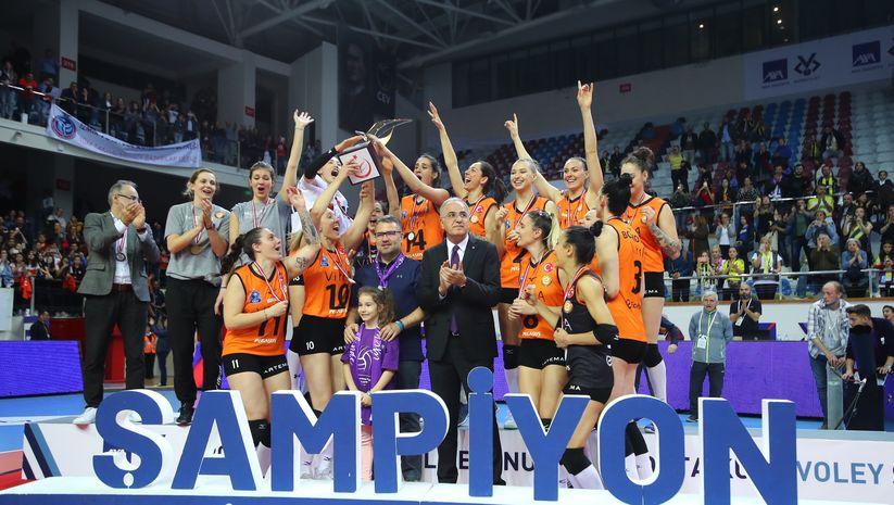 Axa'lı Kupa Voley'de final