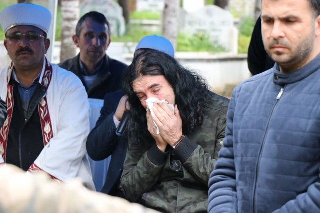 Son Dakika: Murat Kekilli'nin babası Mustafa Kekilli son yolculuğuna uğurlandı - Magazin haberleri