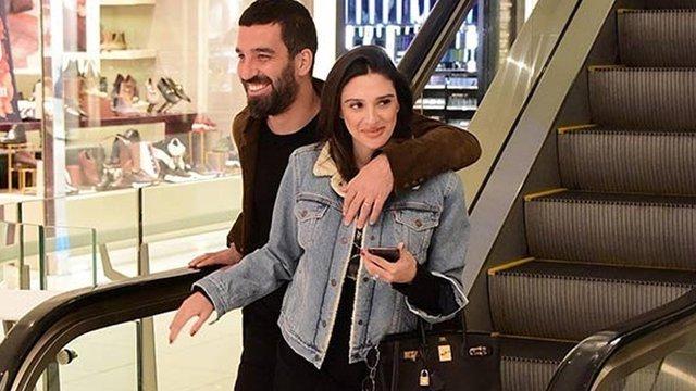 Arda Turan'ın eşi Aslıhan Doğan Turan: Haddiniz hariç her şeyi biliyorsunuz - Magazin haberleri