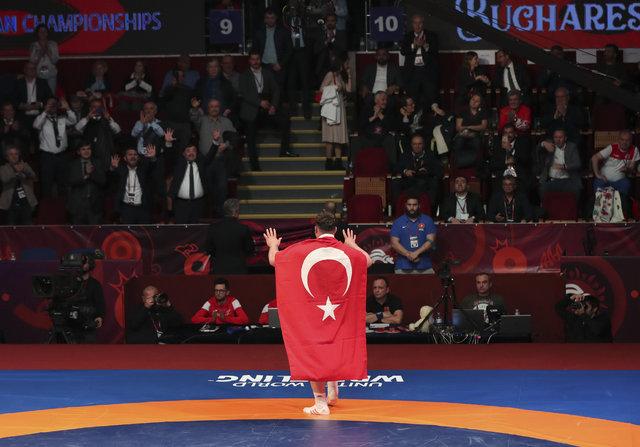 Milli güreşçiler Romanya'da tarih yazdı