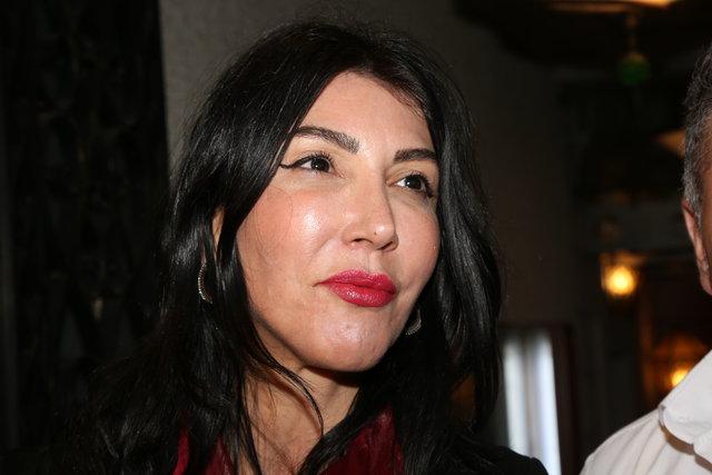 Hande Yener: Serdar Ortaç parayı kumarda harcıyor - Magazin haberleri