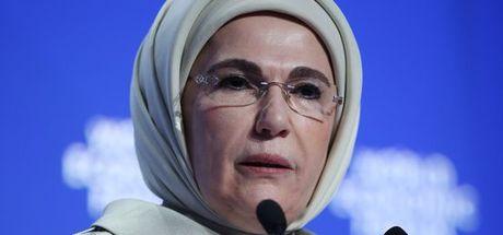 """Emine Erdoğan'a Dünya İnsaniyet Forumu'ndan """"Fark Yaratan"""" ödülü verildi"""