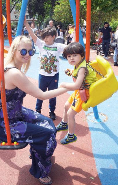 Kaan Tangöze çocuklarıyla eğlendi - Magazin haberleri