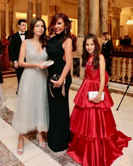 Zeynep Yılmaz kızlarıyla fotoğrafını paylaştı - Magazin haberleri