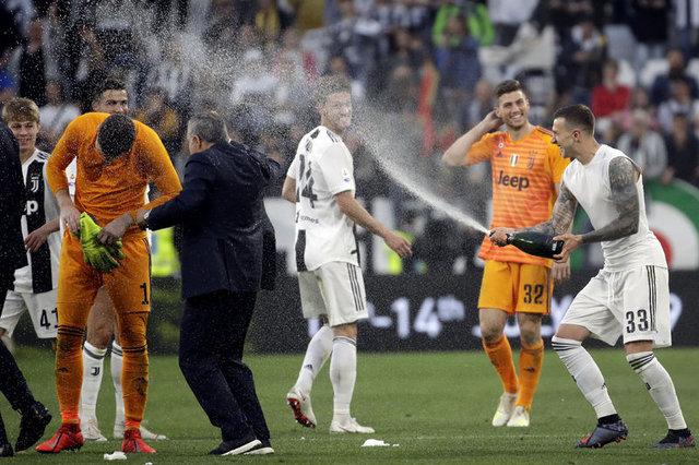 Şampiyonluk kutlamasında Ronaldo'dan Juventus'a müjde!