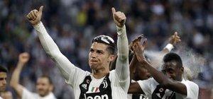 Çılgın kutlama! Ronaldo'dan müjde
