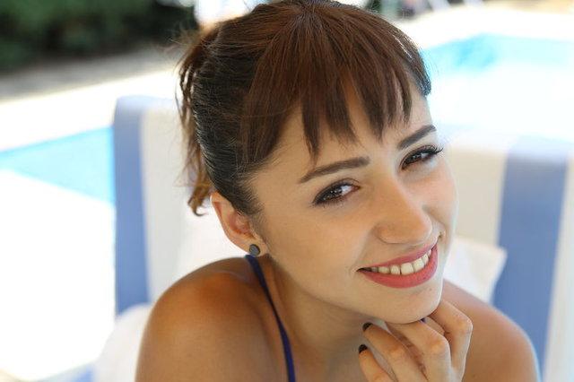 Zeynep Bastık'ın sempatik tavırları dikkat çekti - Magazin haberleri