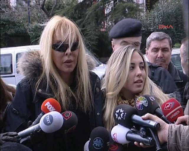 """""""Amerika'da bir çete Ahu Tuğba'nın kızı Anjelik'e tuzak kurdu"""" - Magazin haberleri"""
