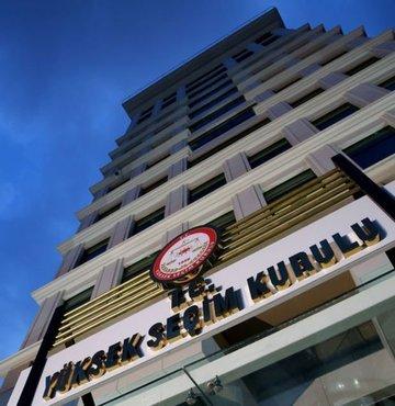 Yüksek Seçim Kurulu'nun (YSK), AK Parti ve MHP'nin Istanbul'da seçimlerin yenilenmesi talepli olaganüstü itirazini Pazartesi görüsecegi ögrenildi. Ilk görüsmede AK Parti YSK Temsilcisi Recep Özel'in partisinin seçimin yenilenmesi talebinin gerekçelerine iliskin bir sunum yapacagi da belirtildi
