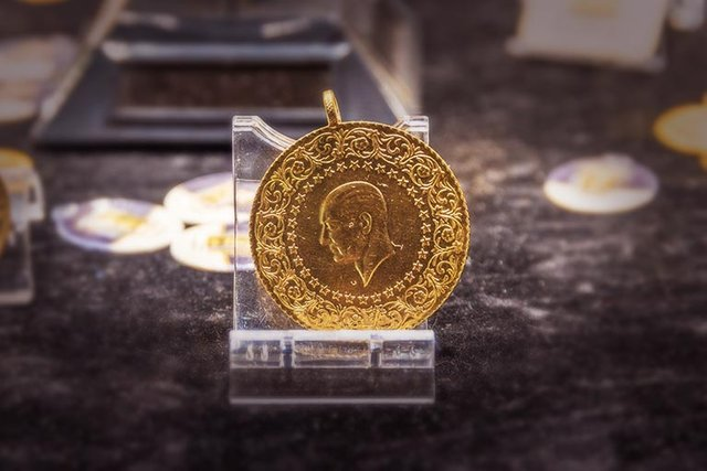 Altın fiyatları SON DAKİKA! Bugün çeyrek altın, gram altın fiyatı 2019 ne kadar? 23 Nisan canlı altın