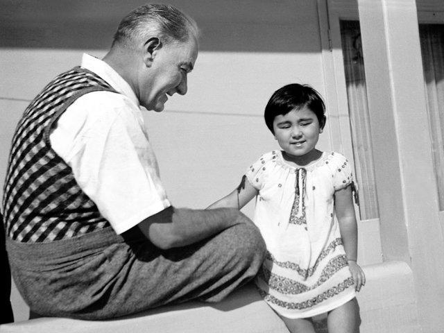 Mustafa Kemal Atatürk fotoğrafları ve sözleri - Arşivlerden renkli ve siyah beyaz Atatürk fotoğrafları, resimleri