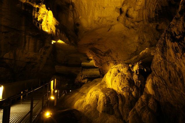 Toroslar'ın doğa harikası 'Tınaztepe Mağarası'