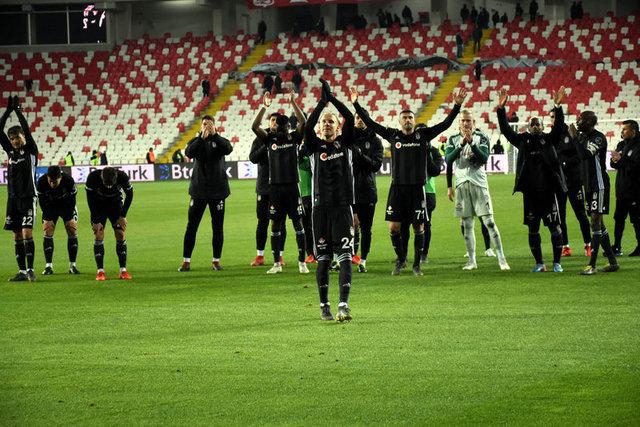 Süper Lig'de hangi takım şampiyon olacak? (Başakşehir, Galatasaray, Beşiktaş)