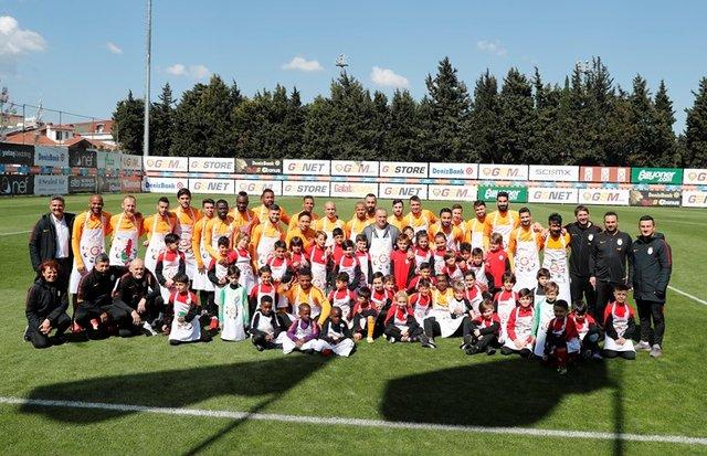 Galatasaray'da neşeli 23 Nisan kutlaması!