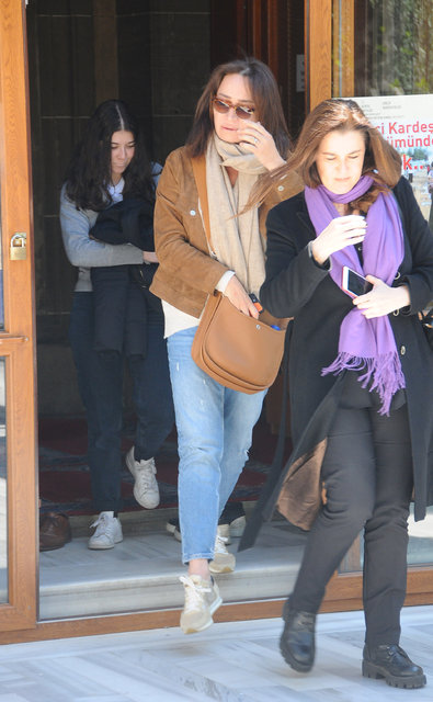 Demet Akbağ eşi Zafer Çika için mevlit okuttu - Magazin haberleri