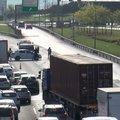 TEM'de zincirleme kaza! Trafik felç