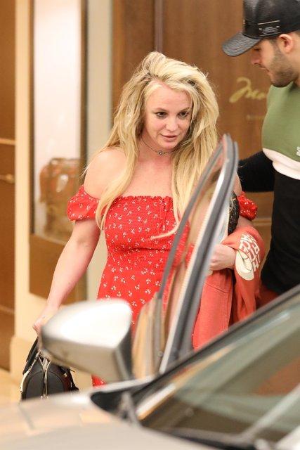 Britney Spears'ın ruhsal tedavi sonrası ilk görüntüsü - Magazin haberleri