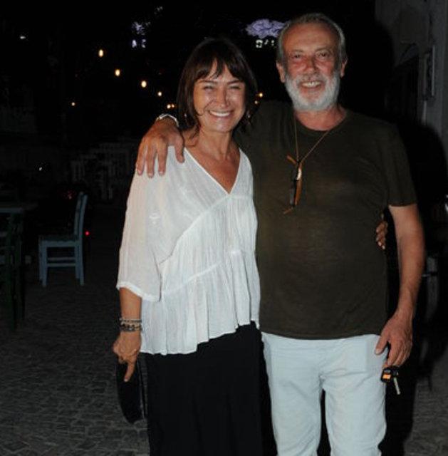 Demet Akbağ: Gülüşlerimiz fotoğraflarda kaldı - Magazin haberleri