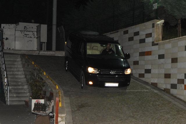 Hadise gece yarısı hastaneye kaldırıldı - Magazin haberleri