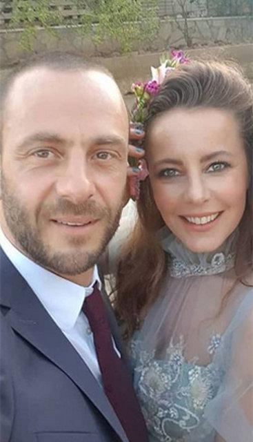 Oyuncu Vildan Atasever, Erkan Akdemir ile nişanlandı - Magazin haberleri