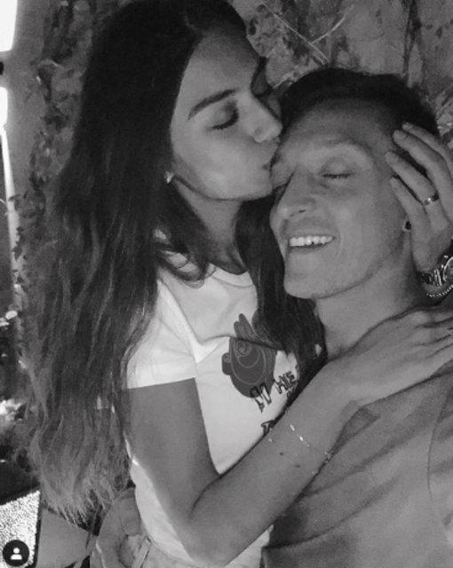 Mesut Özil nişanlısı Amine Gülşe'nin doğum gününü kutladı - Magazin haberleri