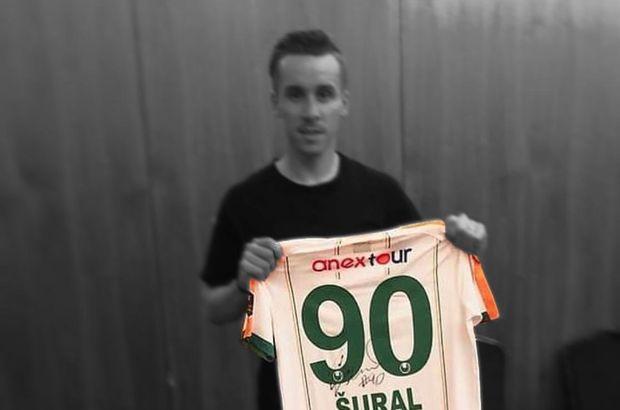 Sural'ın forması emekli edildi!