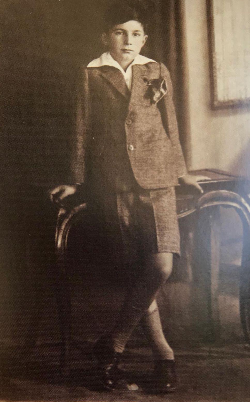 Haldun Taner 11 yaşında...