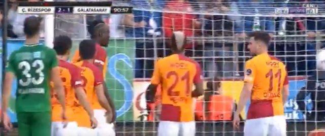 Penaltı krizi! Diagne ile Sinan Gümüş tartıştı, Fatih Terim'i bile dinlemedi