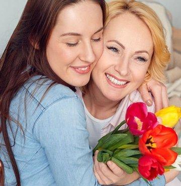 """Anneler Günü hediyeleri ile annelerinizi özel hissettirmek için hala zamaniniz var! Mayis ayinin ikinci haftasinda kutlanan Anneler Günü bu sene 12 Mayis Pazar gününde kutlanacak. Biz de sizi """"Anneler Günü"""
