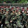 Tek tip askerlik sistemi son dakika gelişmeleri devam ediyor. Cumhurbaşkanı Erdoğan, yeni askerlik sistemi ile ilgili milyonlarca vatandaşı ilgilendiren açıklamalarda bulundu. İşte tek tip askerlik sistemi ve bedelli askerlik ile ilgili bilgiler haberimizde.