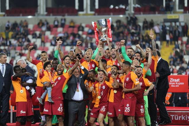 Akhisarspor - Galatasaray maçından ekrana yansımayanlar