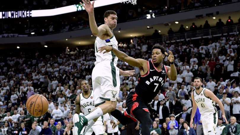 Milwaukee Bucks-Toronto Raptors
