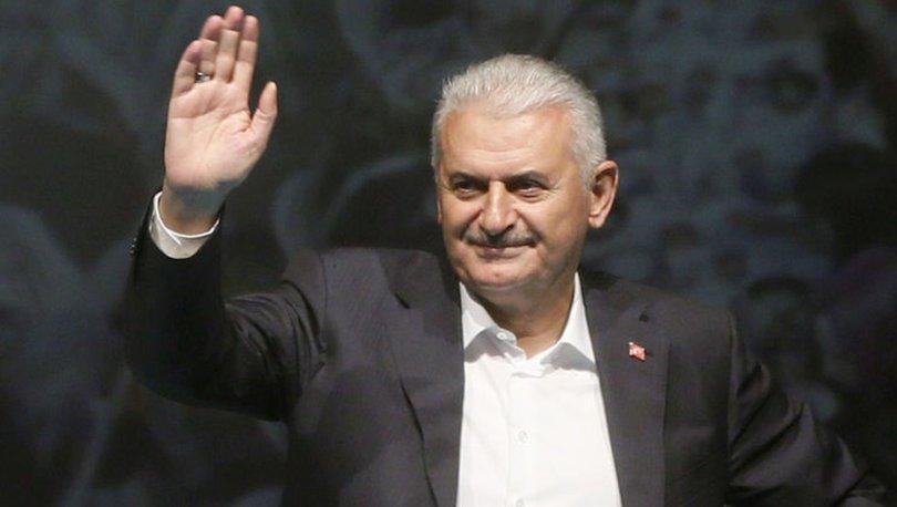 Binali Yıldırım AK Parti Fatih ilçe teşkilatının sahur programında konuştu