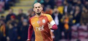 Sneijder şoku! Uçağı kaçırdı