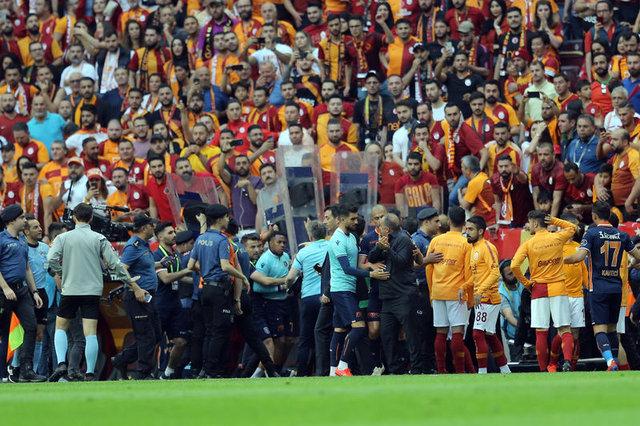 Galatasaray - Başakşehir maçında yaşanan gergin anlar ve sonrası!