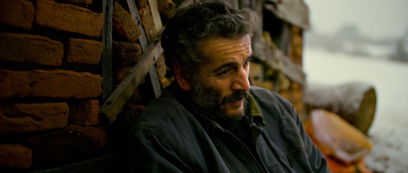 Murat Cemcir, 'Ahlat Ağacı'nda bir köy öğretmenini canlandırdı.