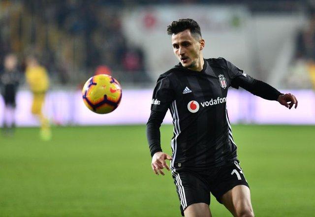 Beşiktaş'ta dev operasyon! 9 isimle yollar ayrılıyor...