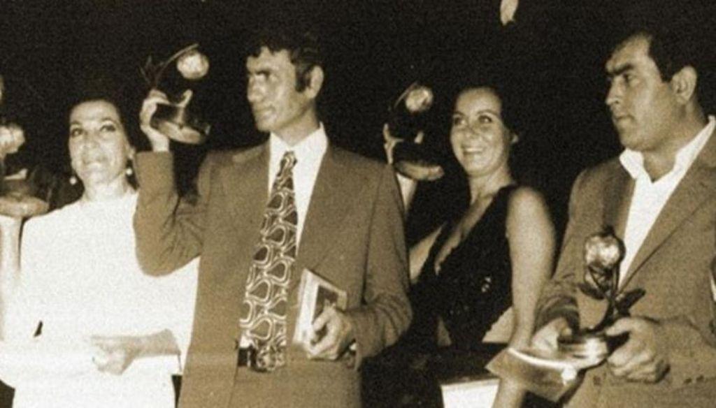 Yılmaz Güney'in kazandığı ilk Altın Portakal Ödülü....