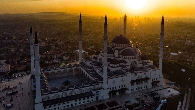 Kırşehir cuma namazı saati! Cuma ezanı saat kaçta? Kırşehir cuma namazı vakti 2019
