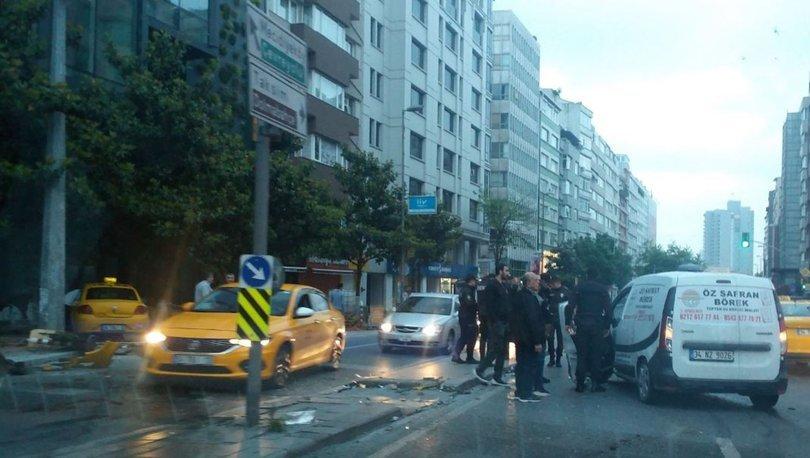 Şişli'de feci kaza! Ticari taksi kaldırıma çıktı!