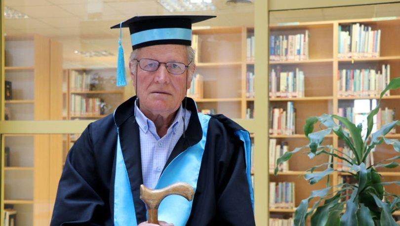 75 yaşındaki Şevki Kılıç fakülteyi 3 yılda bitirdi